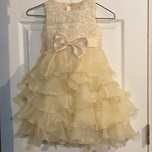 Other - Size 10 Girls cream formal dress